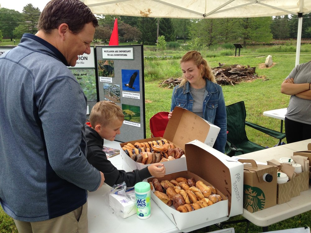 MADScientistAssoc-WetlandWorkshop2017-29_Doughnuts