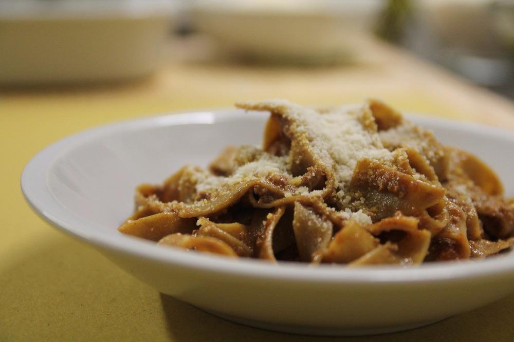 pappardelle con farina di castagne al ragù di capriolo.jpg