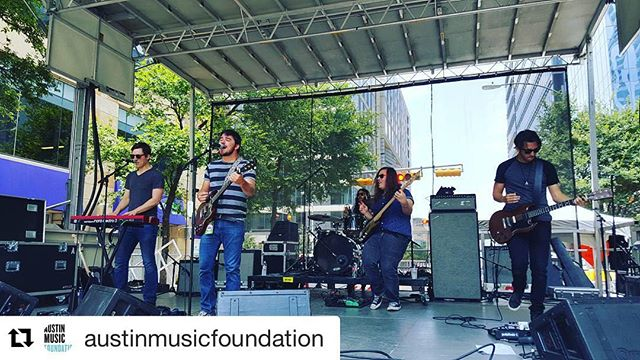 Well #2sdsoundcheck was amazing today, such a great stage and crowd. Thank you @2ndstdistrict  and @austinmusicfoundation for having us! Now if you'll excuse us we'll be over here rehydrating for the next 72 hours.  #Repost @austinmusicfoundation with @repostapp ・・・ @thewarplanesatx kicking off #2ndstreetsoundcheck!