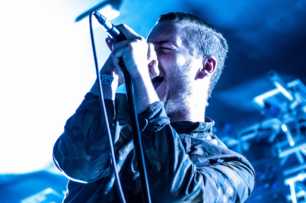 George Clarke of San Francisco-based blackgaze band Deafheaven performs on Aug. 17, 2015. (Jr Hunter/Flickr)