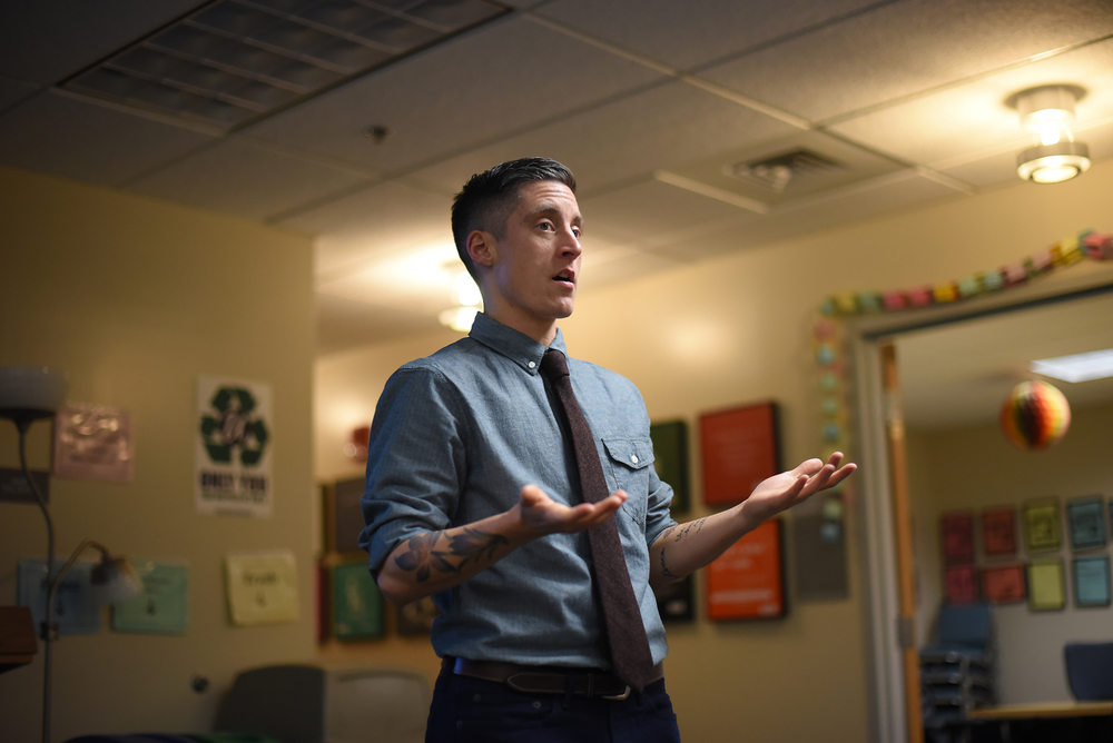 "Health coach Dillan DiGiovanni is seen during the motivational presentation ""Live Without Limits: Be Yourself, Change the World"" at the Rainbow Center in the UConn Student Union in Storrs, Connecticut on Thursday, Nov. 12, 2015. (Allen Lang/The Daily Campus)"