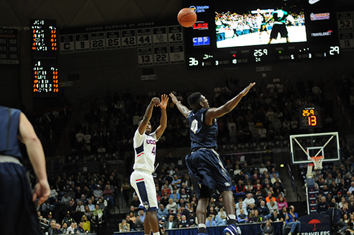 UConn guard Sterling Gibbs knocks down a jumper during their 85-66 victory over New Hampshire at Gampel Pavilion on Tuesday Nov. 17, 2015. Gibbs finished with a game high 21 points. (Ashley Maher/The Daily Campus).