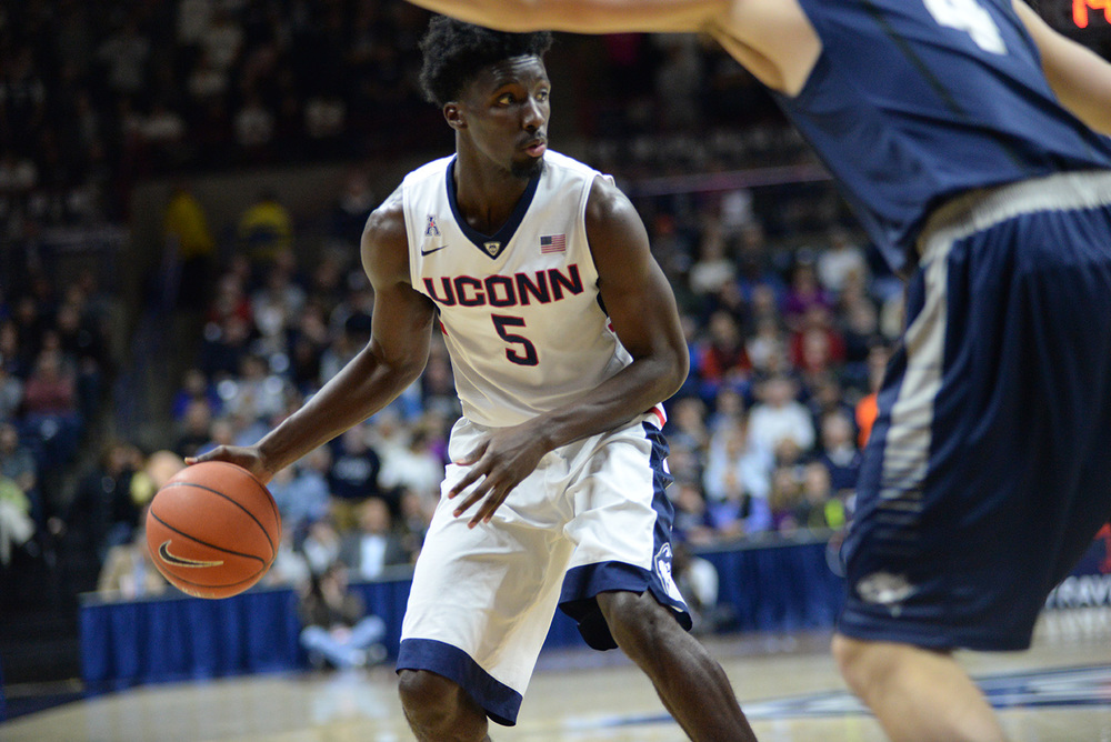 UConn forward Daniel Hamilton finished with 13 points, 11 rebounds and six assists during the Huskies' 85-66 victory over New Hampshire. Hamilton took over in the second to propel UConn to the win. (Ashley Maher/The Daily Campus).