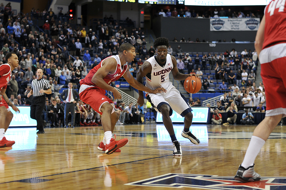 UConn men's basketball forward Daniel Hamilton handles the ball during the Huskies' game against Sacred Heart at XL Center in Hartford, Connecticut on Wednesday, Dec. 2, 2015. (Bailey Wright/The Daily Campus)