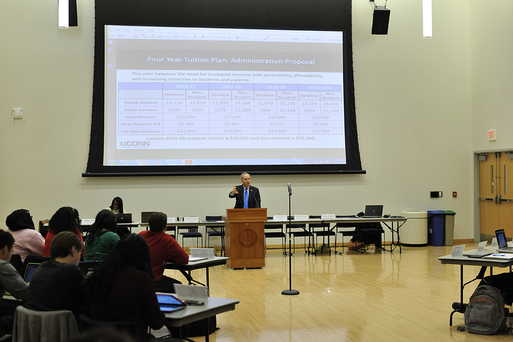 UConn Chief Financial Office Scott Jordan addresses members of the Undergraduate Student Government Wednesday. He detailed upcoming proposals to increase tuition. (Jason Jiang/The Daily Campus)