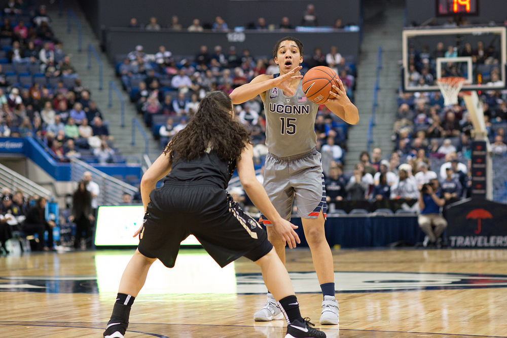 Gabby Williams (15) surveys the court during UConn's 106-51 victory over UCF at the XL Center on Jan. 20, 2016. Williams scored a career high 19 points. (Jackson Haigis/The Daily Campus).