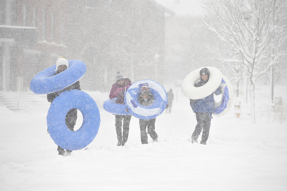 UConn students frolic in the snow on campus on Feb. 5, 2016. (Jason Jiang/The Daily Campus)