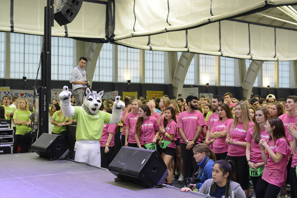 HuskyTHON 2015 participants are seen in the Hugh S. Greer Field House in March 2015. (File Photo/The Daily Campus)