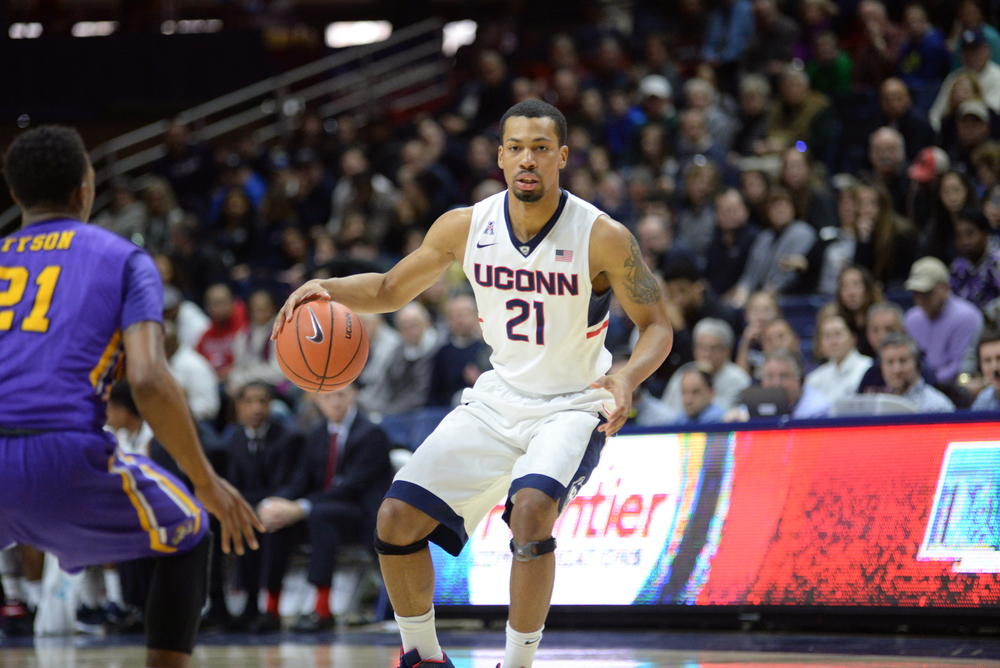 UConn men's basketball guard Omar Calhoun looks for a pass during the Huskies' game against East Carolina at Gampel Pavilion in Storrs, Connecticut on Sunday, Feb. 7, 2016. (Jason Jiang/The Daily Campus)