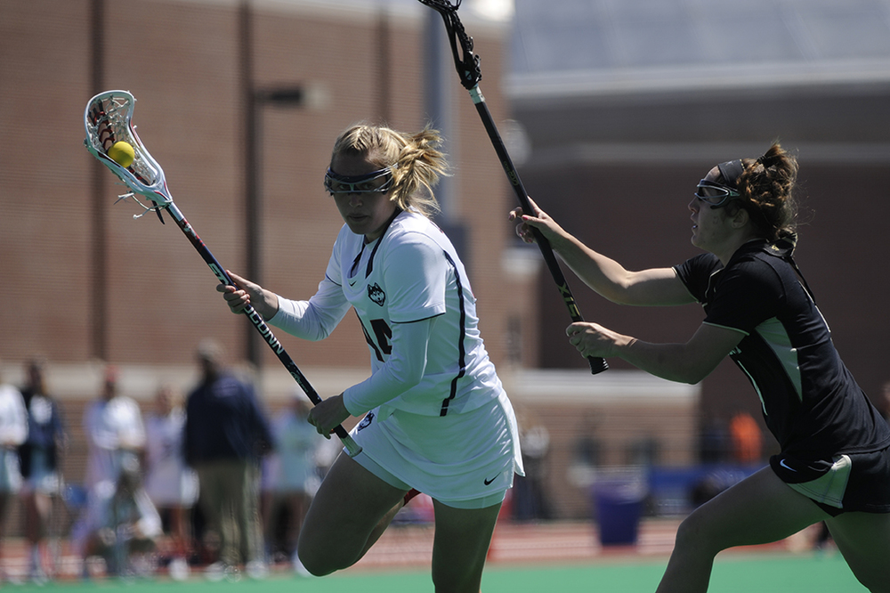 Madelyn Pimental looks to make a play during UConn' 13-10 win over Vanderbilt on Senior Day at the Sherman Family Sportsplex. (Jason Jiang/The Daily Campus)