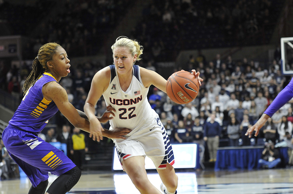 Junior guard Courtney Ekmark makes a play against ECU at Gampel Pavilion on Feb. 6, 2016. On Wednesday, UConn announced that Ekmark will be leaving the program. (Bailey Wright/The Daily Campus)
