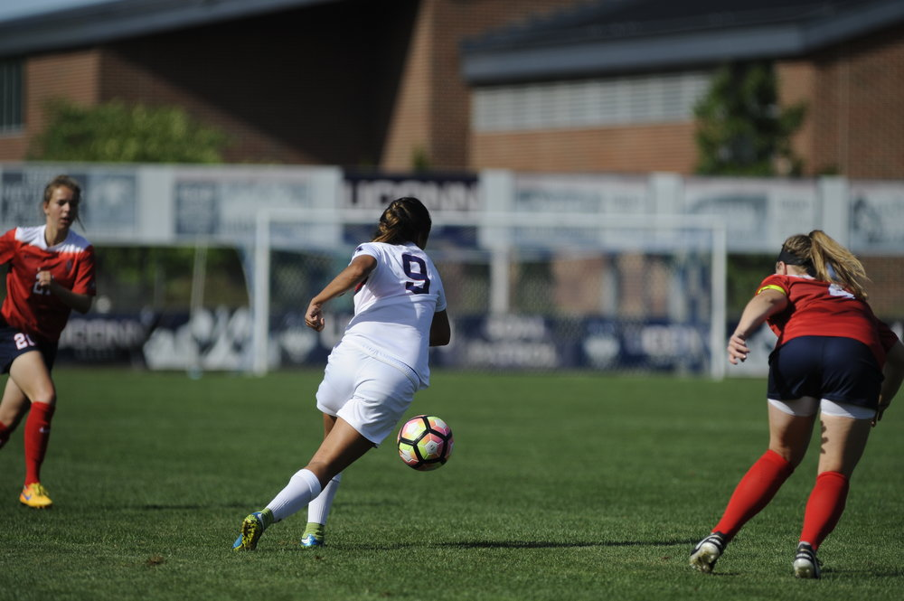 UConn women's soccer beats Stony Brook with the final score of 4-1 on September 11, 2016. Rachel Hill, Stephanie Ribeiro and  Annika Schmidt scored in the game at Morrone Stadium on Sept. 11, 2016. (Jason Jiang/The Daily Campus)