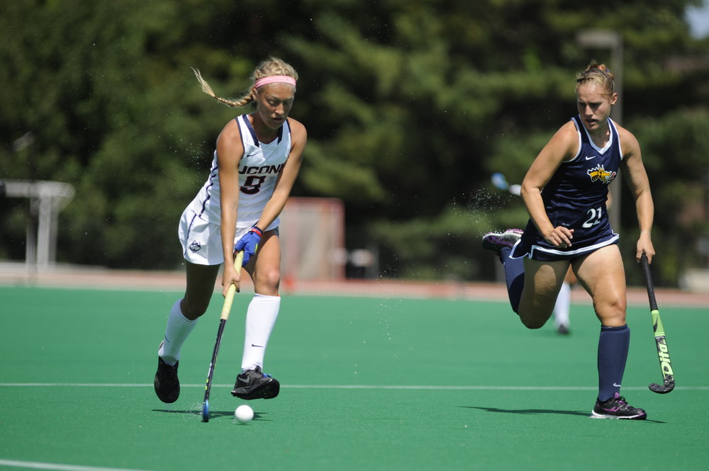 Amelia Iacobucci makes a play during UConn's 7-2 victory over Drexel at the Sherman Family Sports Complex on Sept. 4, 2016. (Jason Jiang/The Daily Campus)