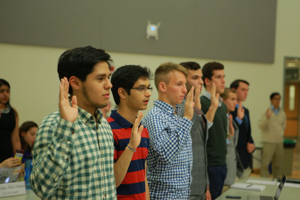 About 60 USG represents attended a meeting on Wednesday, Oct. 5, 2016. USG recently created an ex-officio senator position for veterans. (Junbo Huang/ The Daily Campus)