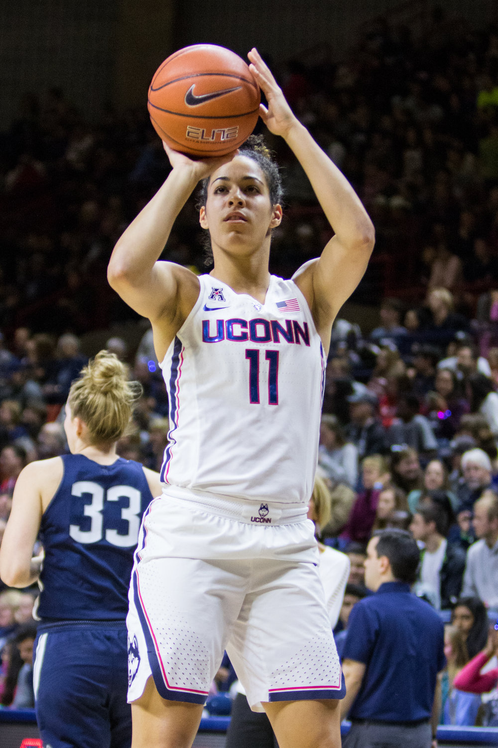 Junior guard Kia Nurse squares up for a jump shot during warm-ups.