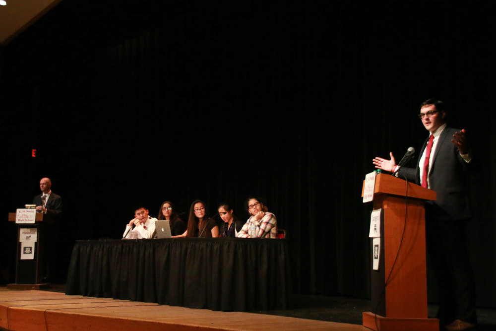 Mansfield Town Council member Mark Sargent debates incumbent Mansfield State Representative Greg Haddad at E.O. Smith High School on Wednesday, Oct. 27, 2016. Topics in the debate included fiscal policy and gun control. (Yuwei Zhao/The Daily Campus)