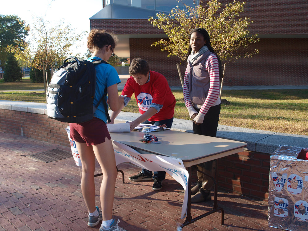 UConnPIRG tables on Fairfield Way to register people to vote for future elections. Student organizations were vital in organizing students to vote. (File Photo/The Daily Campus)