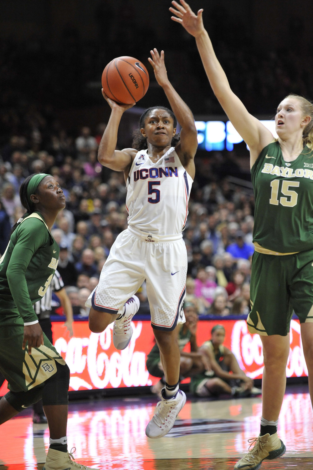 Nov. 17, 2016 UConn Women's Basketball vs. Baylor at Gampel Pavillion.  UConn won 72-61.  Pictured: Crystal Dangerfield, number 5 against Baylor opponents.  (Jason Jiang/ The Daily Campus)