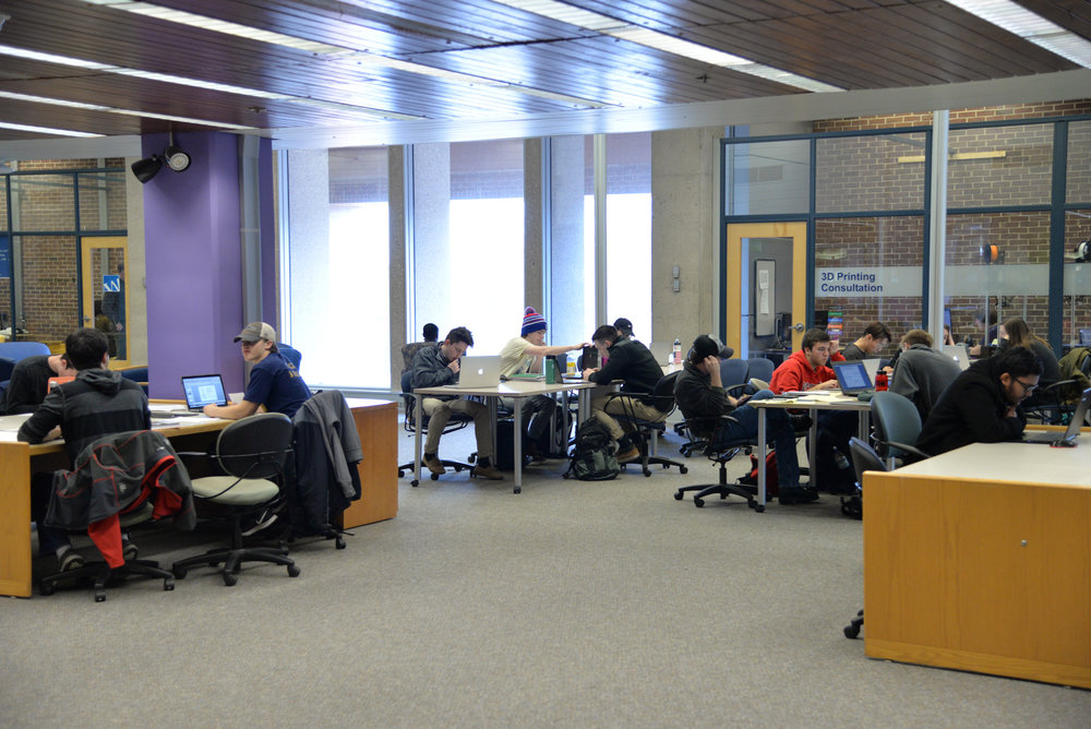 HuskyCT was down for two hours on Tuesday afternoon following an outage through Amazon Cloud. (Amar Batra/The Daily Campus)