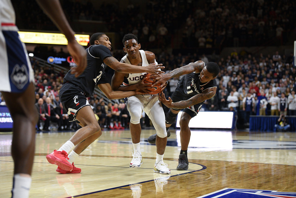 UConn men's basektball loses to University of Cincinnati on Senior day, Sunday March 5th at the Gampel Pavilion with final score of 46-67. (Zhelun Lang/ The Daily Campus)