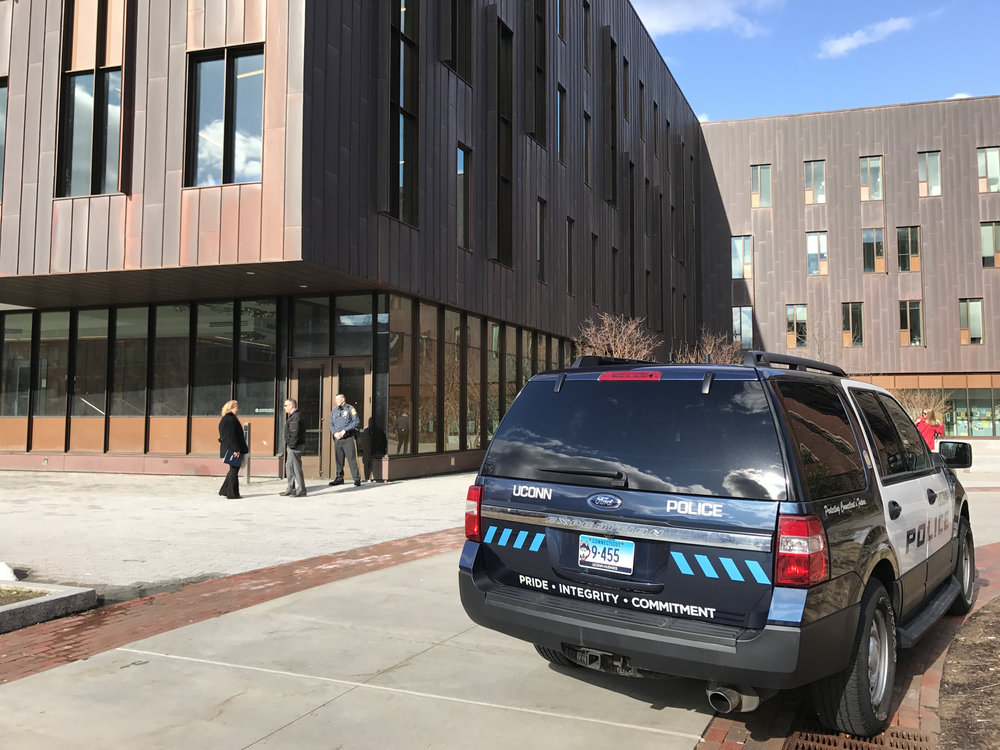 UConn police and fire crews shut down Oak Hall at approximately 4:15 p.m. on March 29, 2017. (Owen Bonaventura/The Daily Campus)