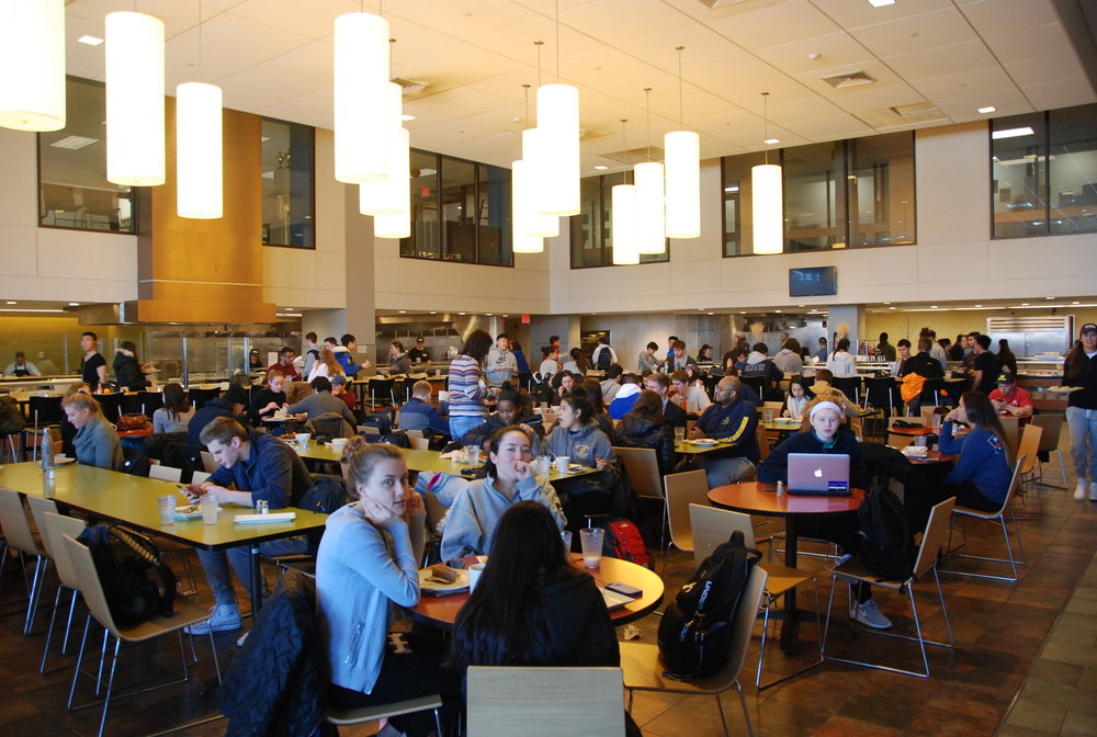 UConn students eating in McMahon dining hall, one of the several dining halls located on campus. The Board of Trustees recently approved a 3 percent increase for all meal plans for fall 2017. (Christine Pan/The Daily Campus)