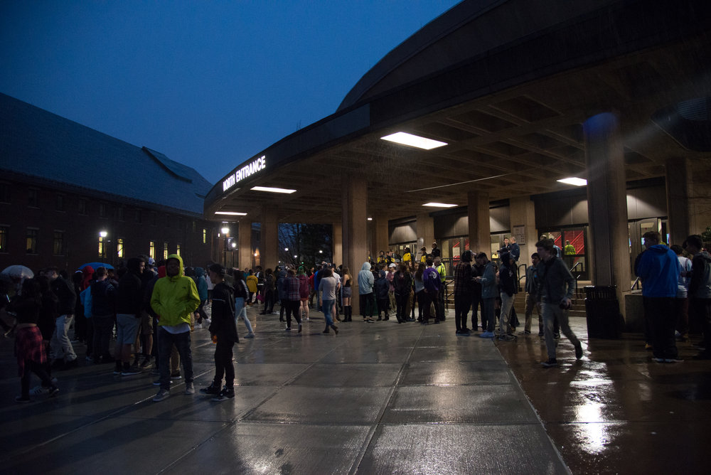 Students disperse from the North Entrance of Gampel Pavilion after being told that the Spring Concert is canceled on Thursday evening. (Amar Batra/The Daily Campus)