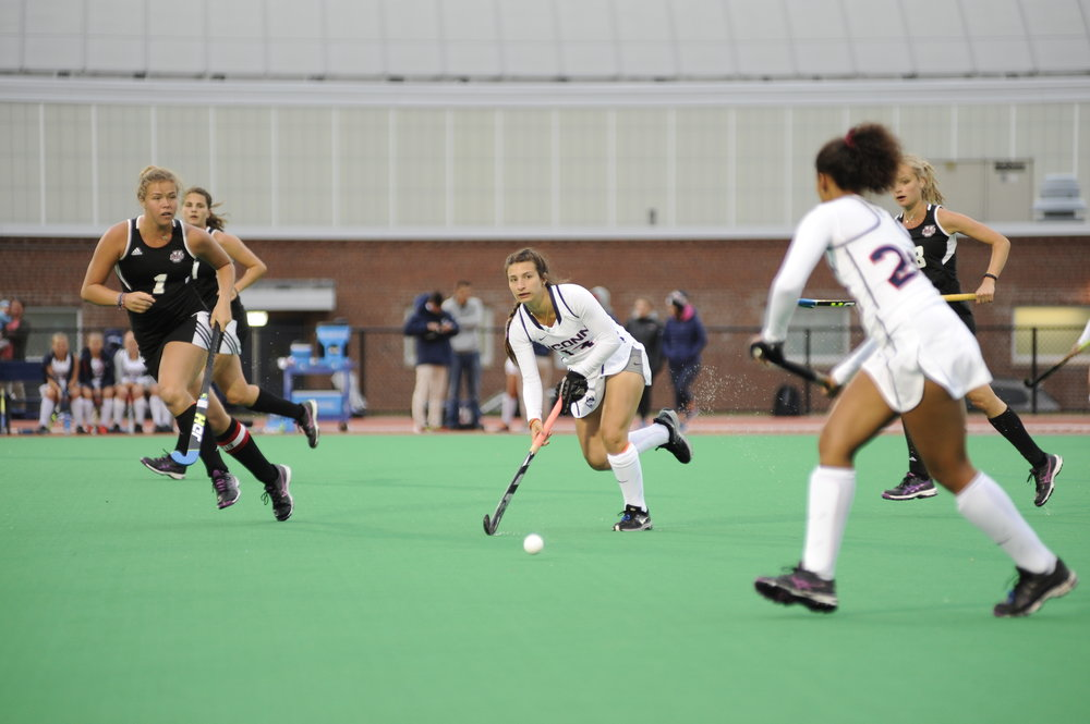 The UConn and UMass field hockey teams met on Wednesday, Sep. 28, 2016, in Storrs. The Huskies won 8-1. (Jason Jiang/The Daily Campus)