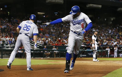 Los Angeles Dodgers'Curtis Granderson (6) won the Roberto Clemente Award in the 2016 season. (AP Photo/Ross D. Franklin)