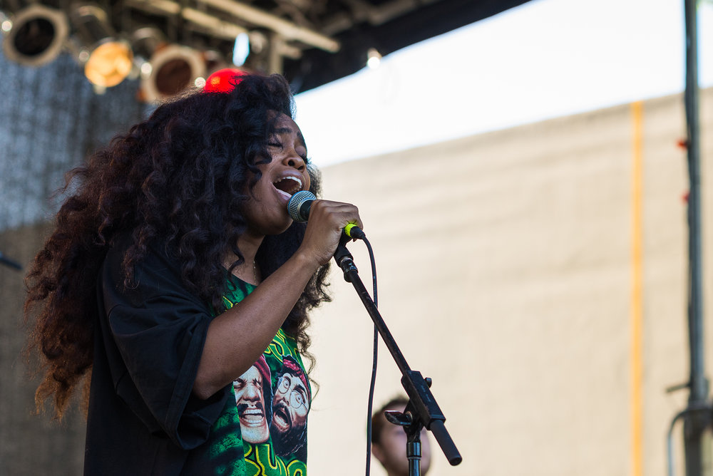 """SZA perfoming at Afropunk Fest '14. She released her newest album """"ctrl"""" this past June (DeShaun Craddock/Flickr Creative Commons)"""