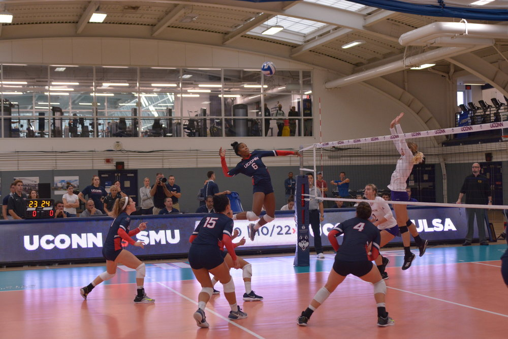 The Huskies (10-10, 3-5) volleyball team started off slow this weekend, falling to UCF in straight sets, but came back to defeat USF in straight sets (Nicholas Hampton/The Daily Campus)