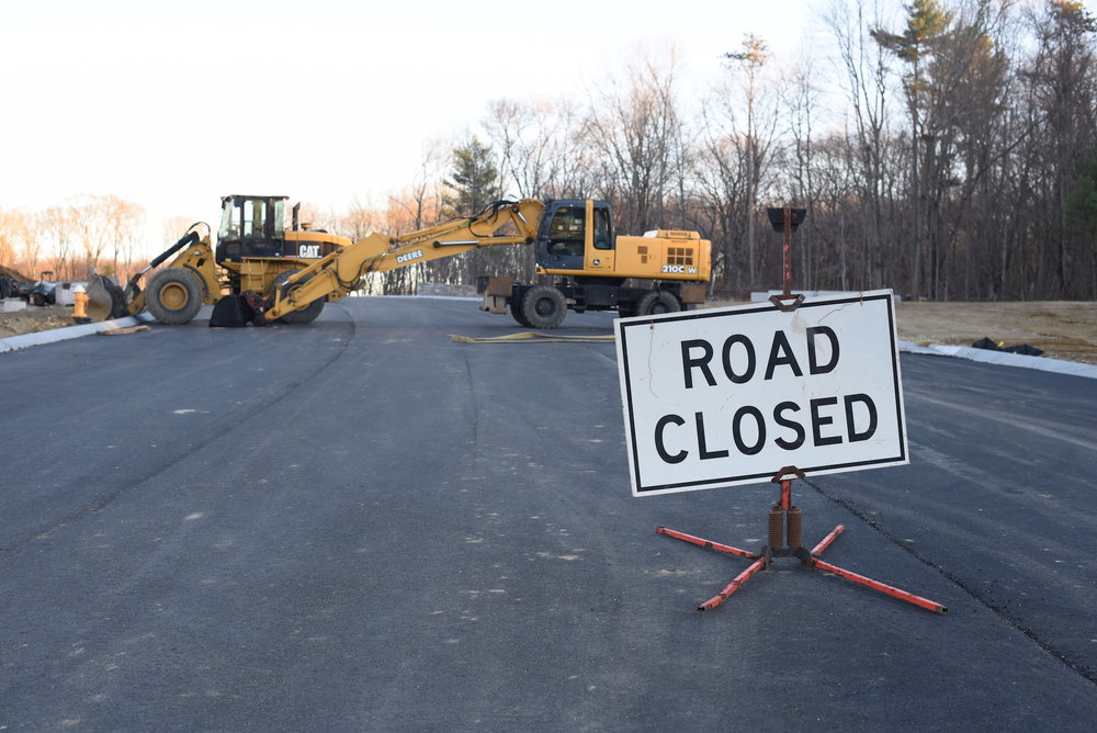 North Eagleville Road construction will be extended until 2018 despite promises to be finished earlier. (Zhelun Lang/The Daily Campus)