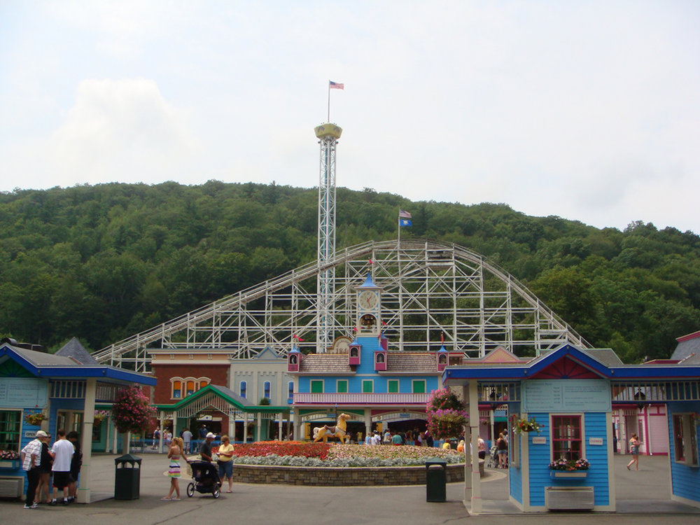 This past Friday, Nov. 10, Lake Compounce, an amusement park located in Bristol, Connecticut announced the end of its free soda service. Up until recently, guests could help themselves to free soda throughout the park when they purchased a regular admission ticket. (Martin Lewison/Creative Commons)