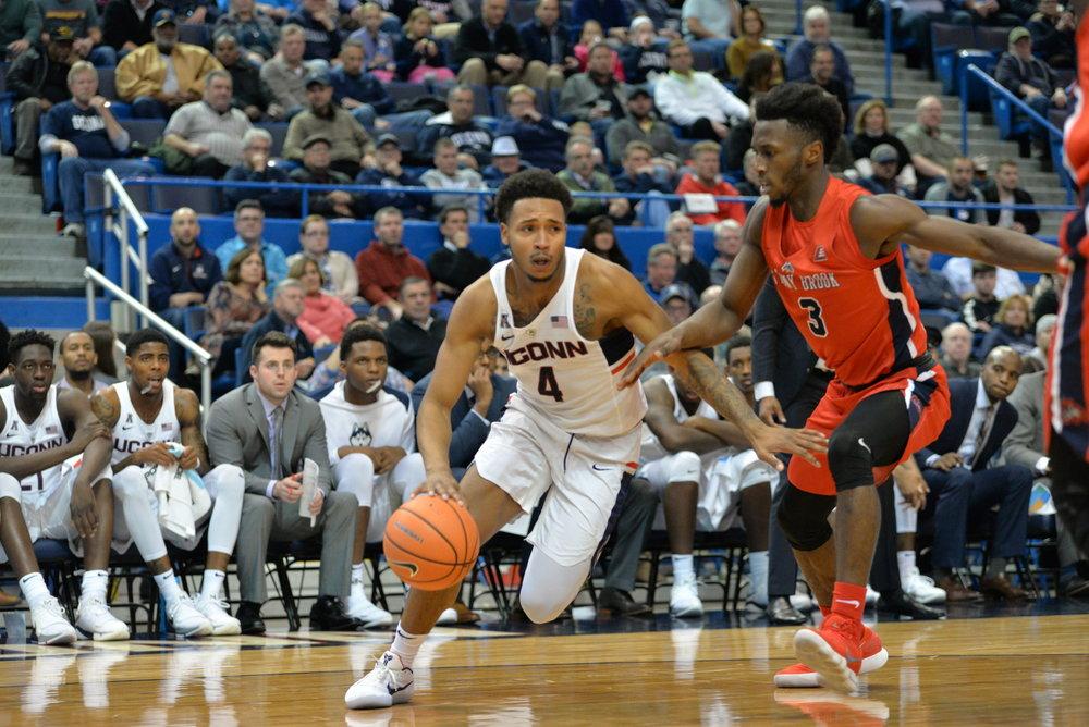 The UConn Huskies defeat Stonybrook 72-64 on November 14, 2017. (Amar Batra/ The Daily Campus)