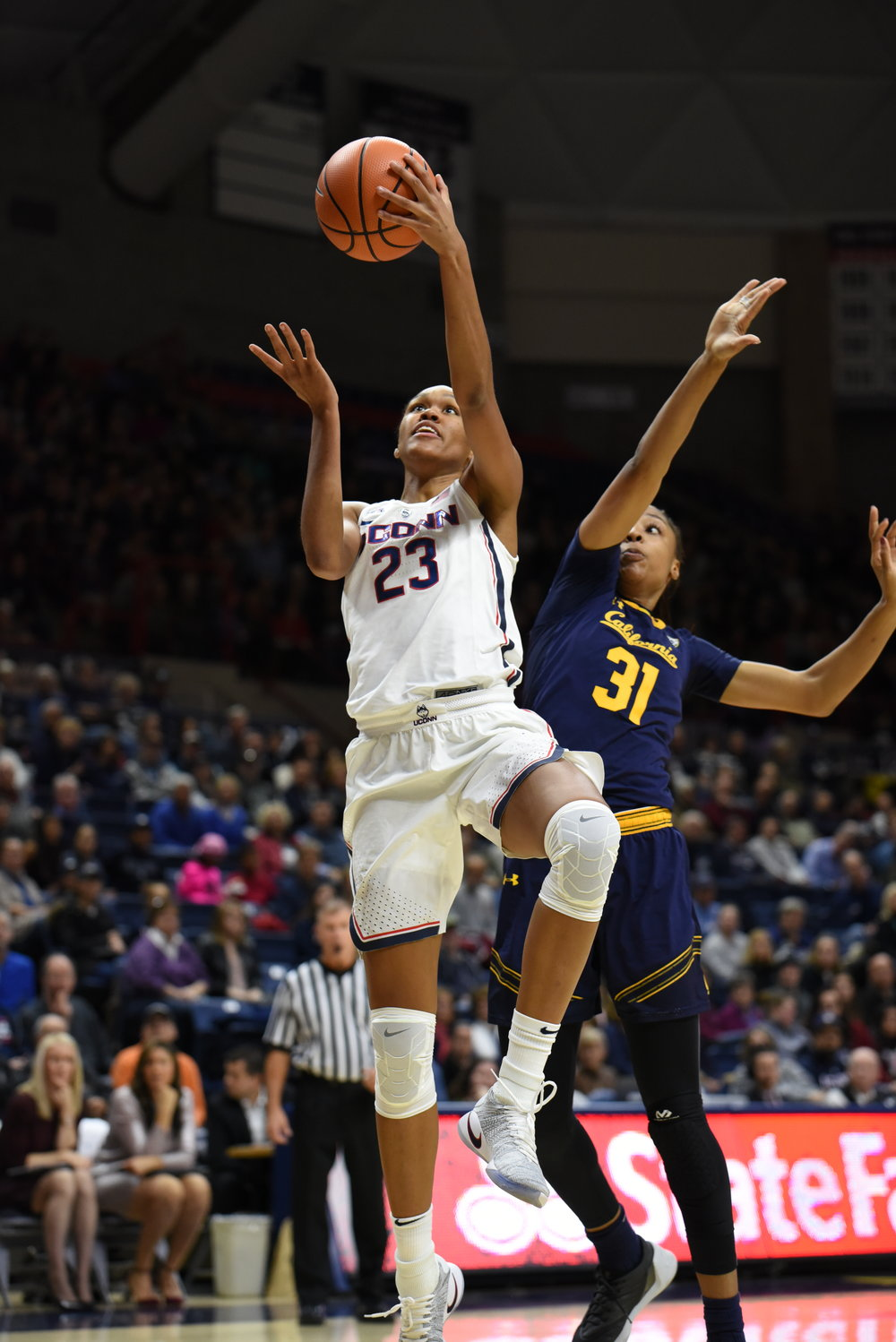 UConn guard/forward Azurá Stevens goes up for a layup in the Huskies' 82-47 win over California on Friday, Nov. 17 at Gampel Pavilion in Storrs, Connecticut. (Charlotte Lao/The Daily Campus)