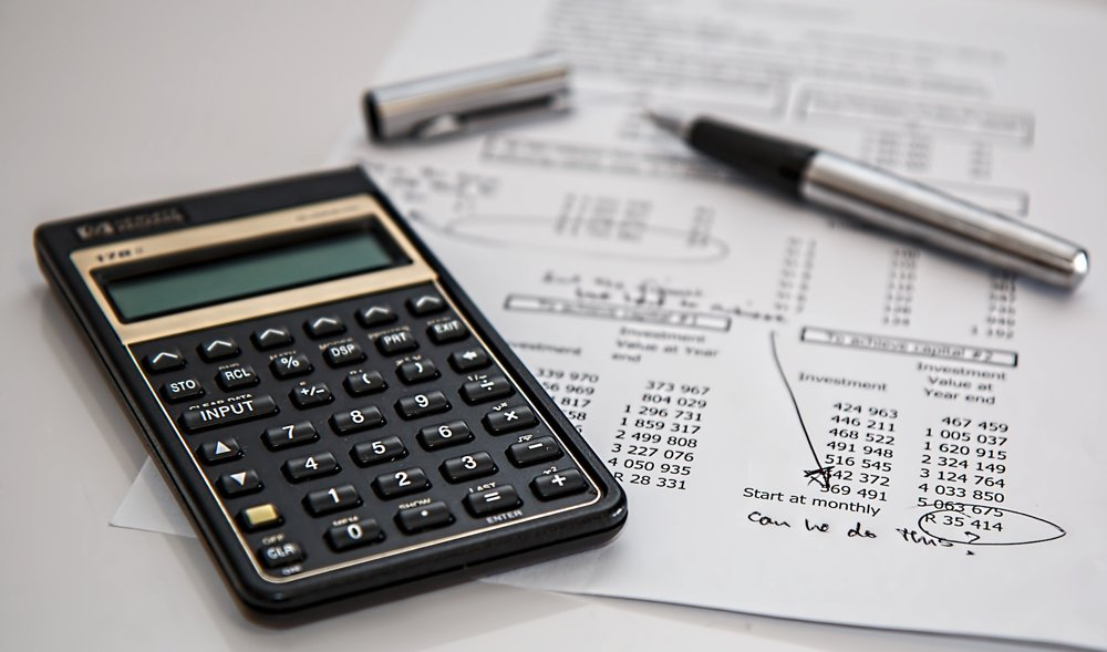Courtney Jinjika, who leads Keybank's market retail network of branches in Connecticut and Western Massachusetts, provided several tips to help students with their financial planning. (Pixabay/Creative Commons)