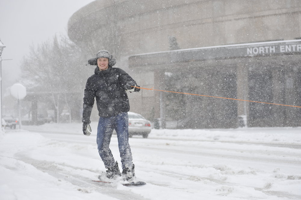 Makes the most of the snow while it's here. (Jason Jiang/The Daily Campus)