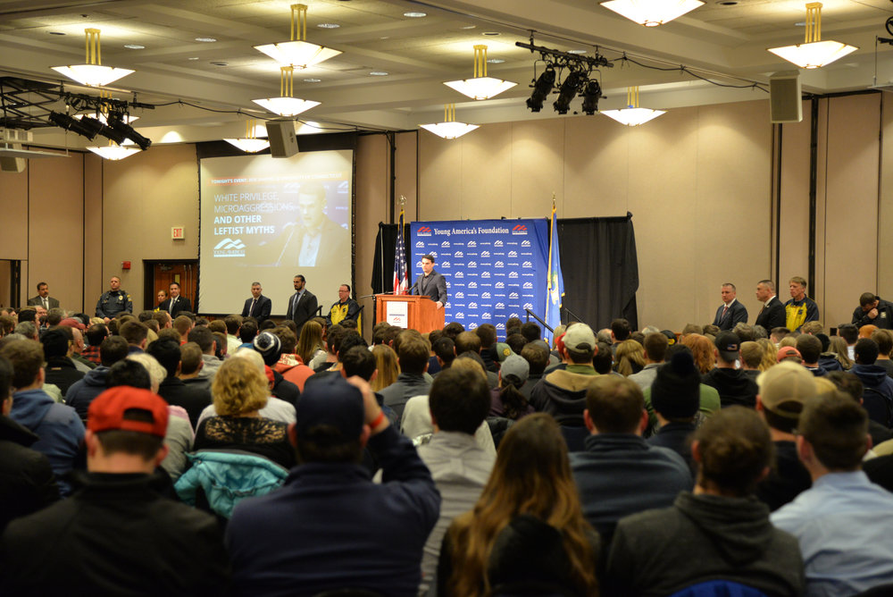 Shapiro speaks in front of a large, mostly white and male crowd on Wednesday, Jan. 24, 2018. (Amar Batra/The Daily Campus)