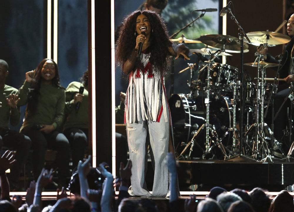 "Sza performs ""Broken Clocks"" at the 60th annual Grammy Awards at Madison Square Garden on Sunday, Jan. 28, 2018, in New York. (Photo by Matt Sayles/Invision/AP)"