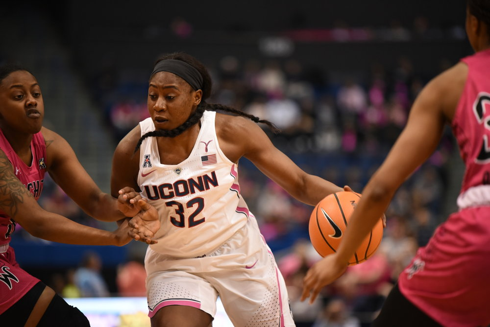 Batouly Camara (32) and UConn will host ranked-foe Louisville at Gampel Pavilion on Monday, Feb. 12 (Charlotte Lao/The Daily Campus)