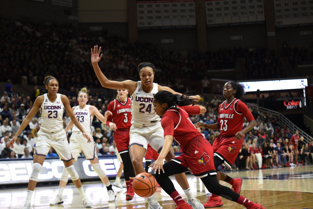 That final stretch begins Sunday as UConn and Temple will tip off at 2 p.m. at the XL Center in Hartford. (Charlotte Lao/The Daily Campus)