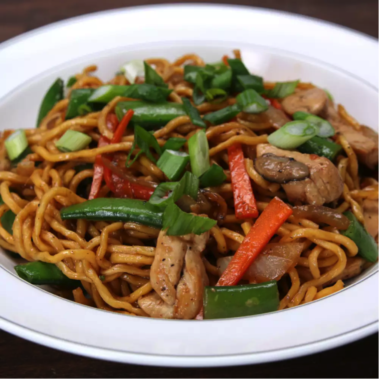 This week on Melissa's Menu is perfect for when you're looking for a night in but don't want to order takeout: chicken lo mein. (Picture courtesy of Tasty)