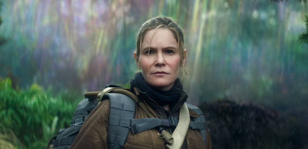 "This image released by Paramount Pictures shows Jennifer Jason Leigh in a scene from ""Annihilation."" (Paramount Pictures/Skydance via AP)"