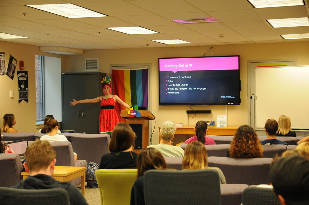 """Tiggy Upland shares wisdom from her book, """"Tiggy Upland and The Wild Deuce"""" in a lecture at the Rainbow Center on September 20, 2018. The lecture covered topics including tips for bisexual coming out and intersectional identity (Judah Shingleton)"""