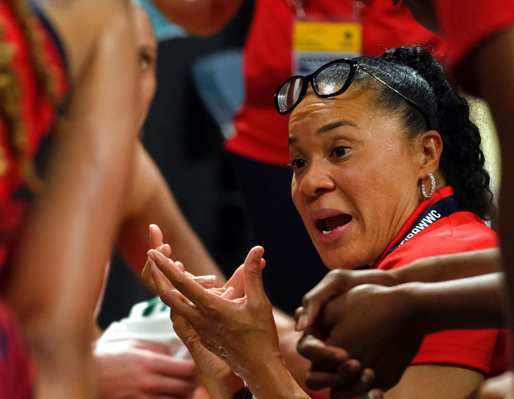 FILE - In this Sunday Sept. 30, 2018, file photo, United States coach Dawn Staley gives instructions to her players during the Women's basketball World Cup final match against Australia Tenerife, Spain. Staley began fall practice Thursday, Oct. 4, 2018, hoping her experience leading the world's best players to a FIBA World Cup crown can help mold the young Gamecocks into a championship group. (AP Photo/Andres Gutierrez, FIle)