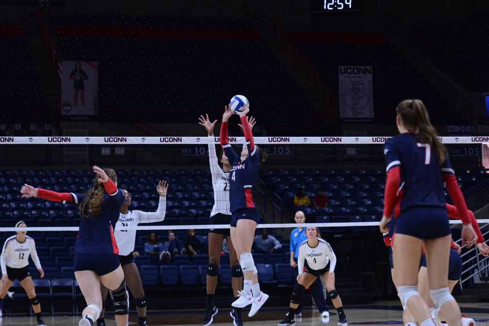 The UConn Huskies Volleyball team plays against the Cincinnati Bearcats at Gampel Pavilion on October 7, 2018. The match resulted in a 1-3 loss by the Huskies (Judah Shingleton/The Daily Campus)