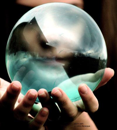 Crystal Ball (Photo by Shin Himitsu)