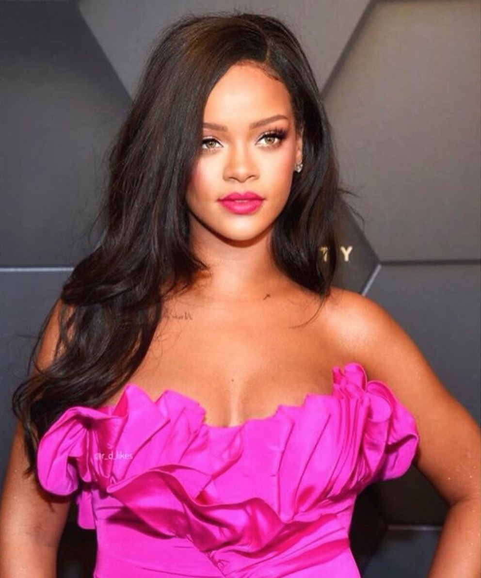 Rihanna says more white athletes should take action to support Kaepernick and that she wouldn't be appearing in any Super Bowl advertisements.(@badgalriri Instagram/screenshot)