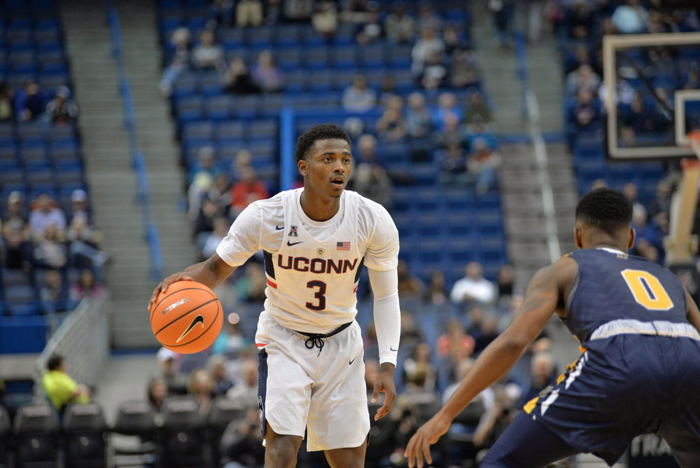 Alterique Gilbert handles the ball in a game last season. He will start at point guard for UConn (File Photo/The Daily Campus)
