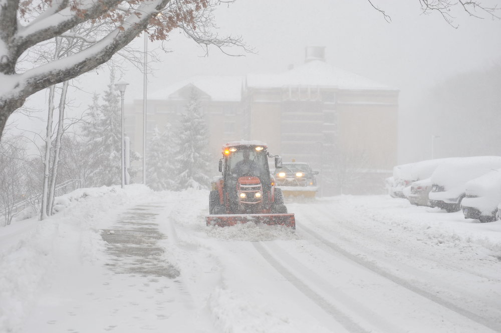As University of Connecticut students buckle down for the final stretch before winter break, UConn's Storrs campus prepares for winter session. (File photo/The Daily Campus)